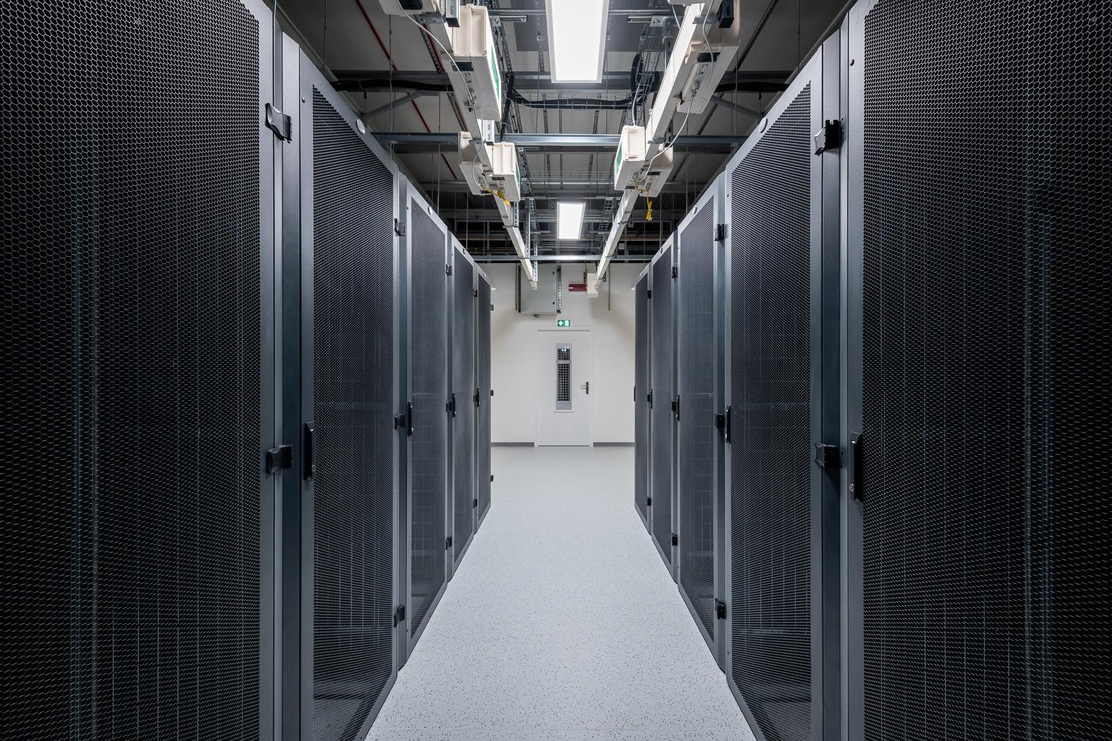 Visite Data Center DATA 17, Datacenter écoresponsable certifié TIER IV